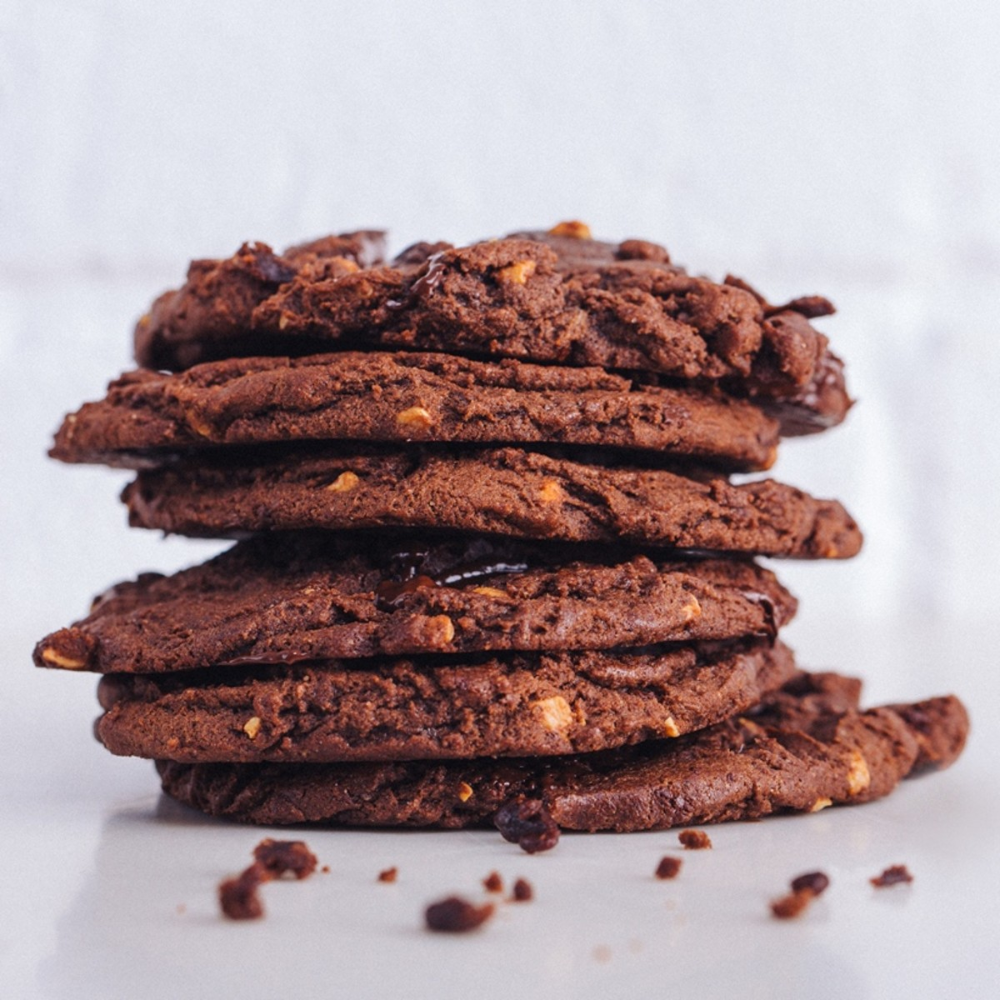 We Have Managed To Get Our Hands On Pret S Very Own Recipe For Its Much Beloved Dark Chocolate Almon Vegan Cookies Recipes Vegan Cookies Vegan Dark Chocolate