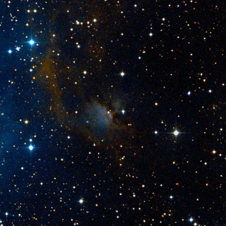 Nebulosa Identificada por Wikisky como IC 444 (no es IC 444). Es Una nebulosa de reflexión en la constelación Géminis. No es un objeto IC. Wikisky la identifica como la nebulosa IC 144, pero probablemente es demasiado pequeño y débil para ser el objetivo de Wolf, y nunca habría sido identificado por él como una gran nebulosa brillante.