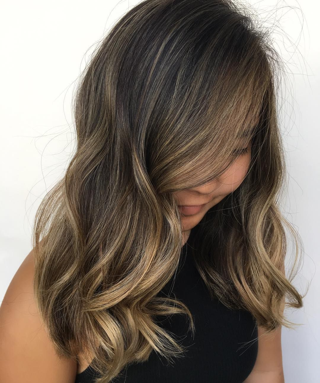 pics that prove blonde highlights are what your brown hair needs