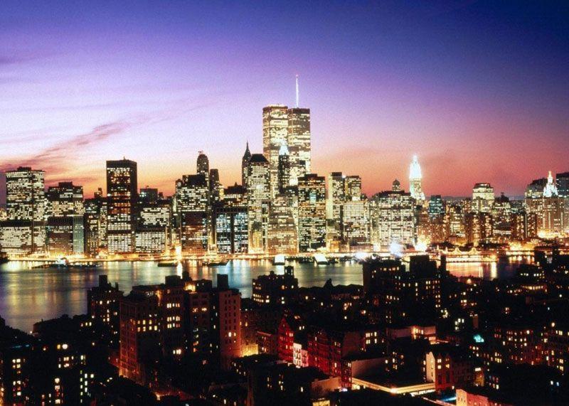 Nueva York es una de las más grandes y vistosas ciudades de Estados Unidos que no sólo destaca por ser un amplio centro de comercio y finanzas, sino también por sus atractivos turísticos y recorridos por la ciudad