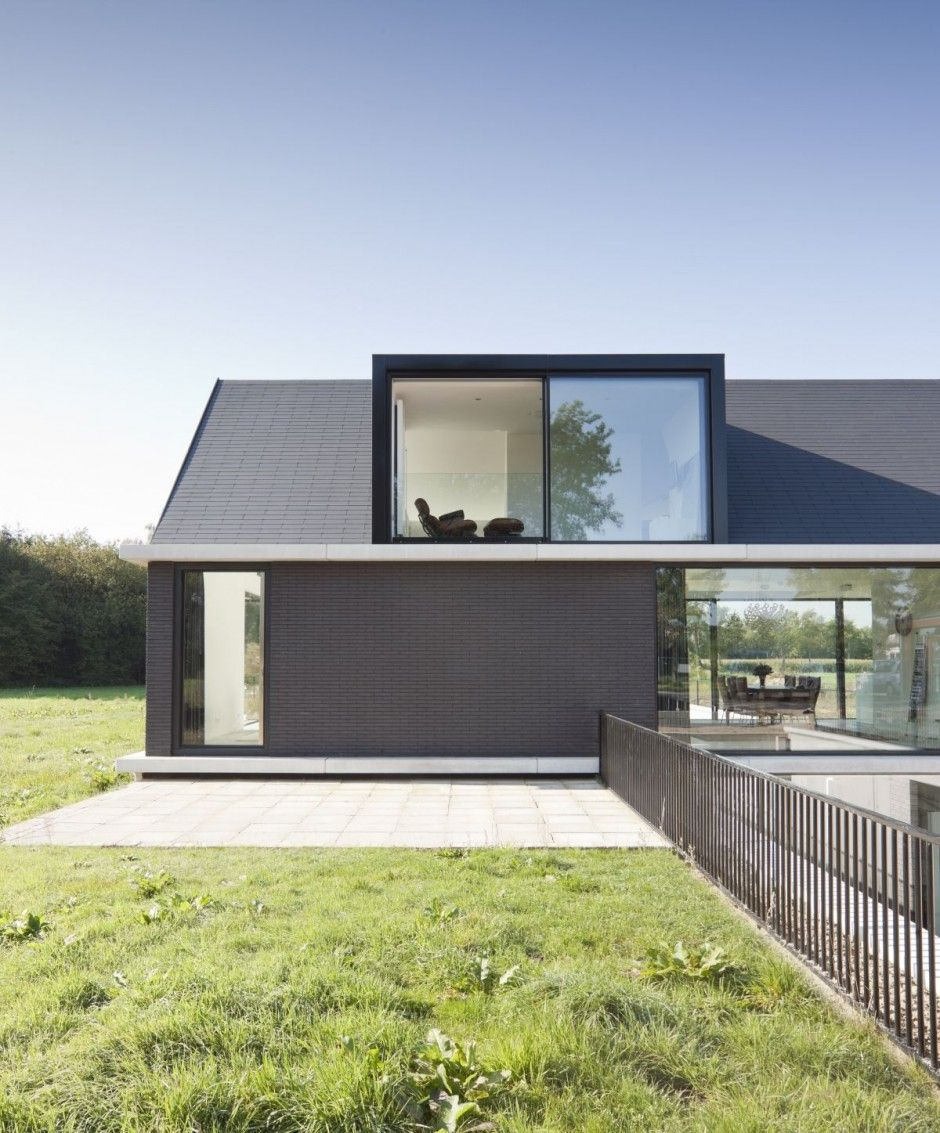 Dise o y planos de moderna casa de un piso con s tano y - Casas con buhardilla ...