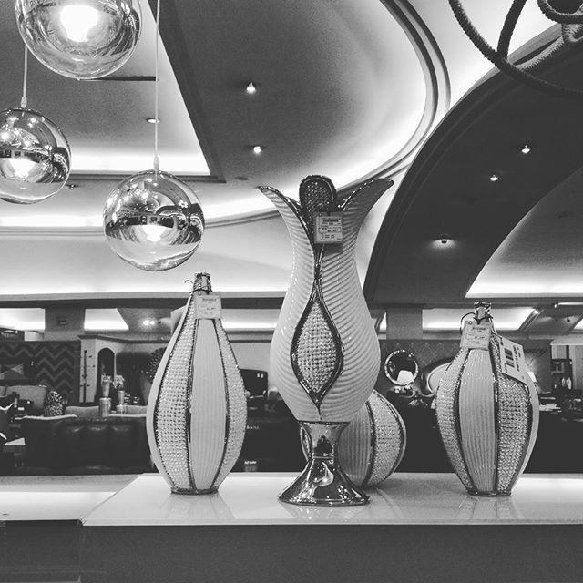 Recuerda que en Placencia Muebles tenemos una amplia selección en artículos de iluminación y decoración. Visítanos en #GDL #QRO #GTO