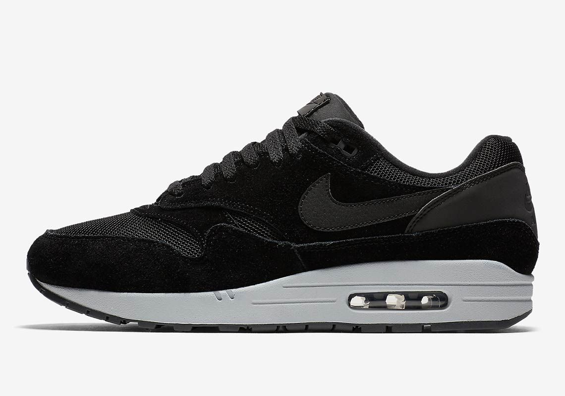 the best attitude 23d5a dbcc1 Nike Air Max 1 Reflective Heel AH8145-006 Available Now   SneakerNews.com