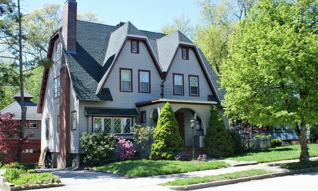 15 Haviland St Worcester Ma 01602 Mls 72326801 Zillow Bungalow Exterior Craftsman House Old Houses