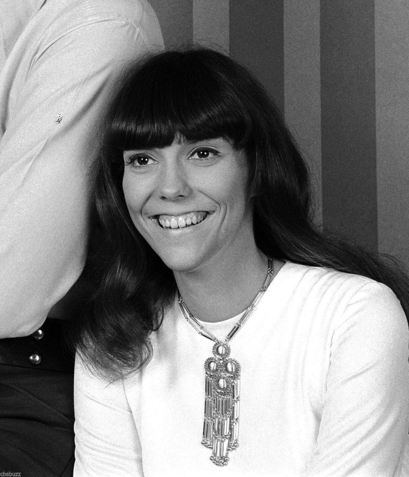 PHOTO OF KAREN CARPENTER   Carpenters   Pinterest   Karen carpenter     PHOTO OF KAREN CARPENTER