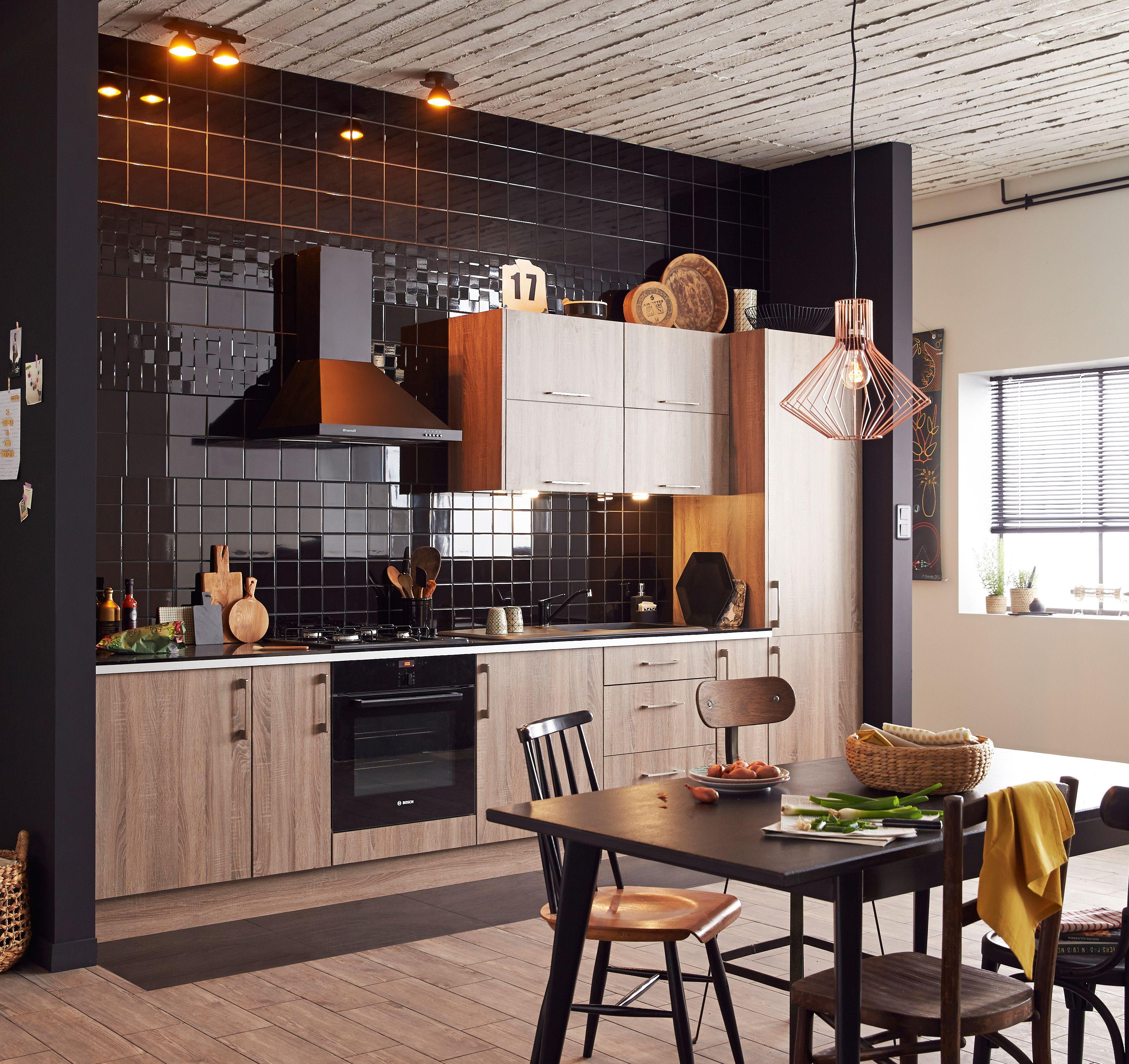 Noir et bois la cuisine trois toiles cuisine cozinha for Cuisine noir
