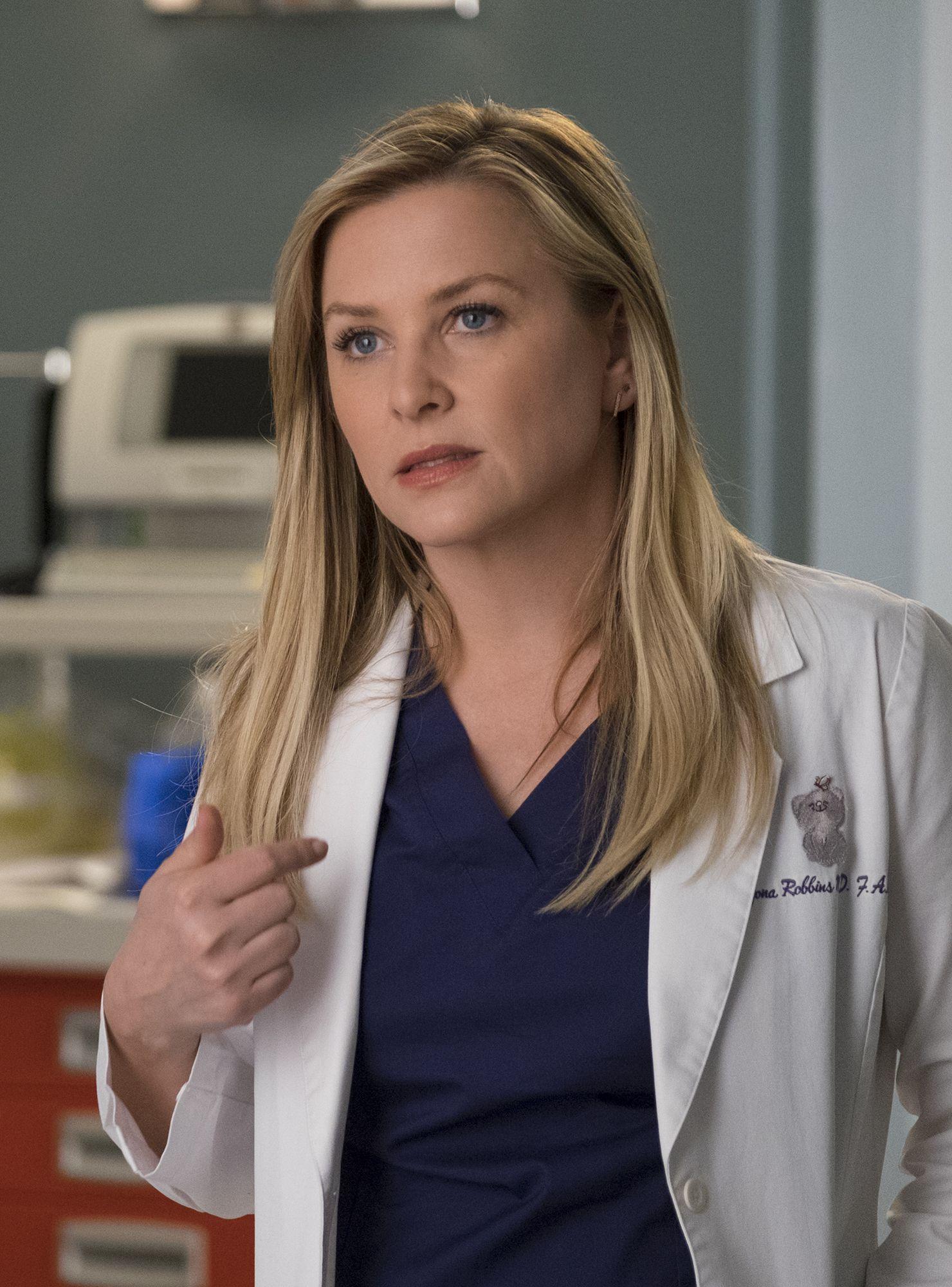 Grey S Anatomy Can Still Be Epically Emotional Last Night Was Proof Greys Anatomy Jessica Capshaw Grey S Anatomy Season 14