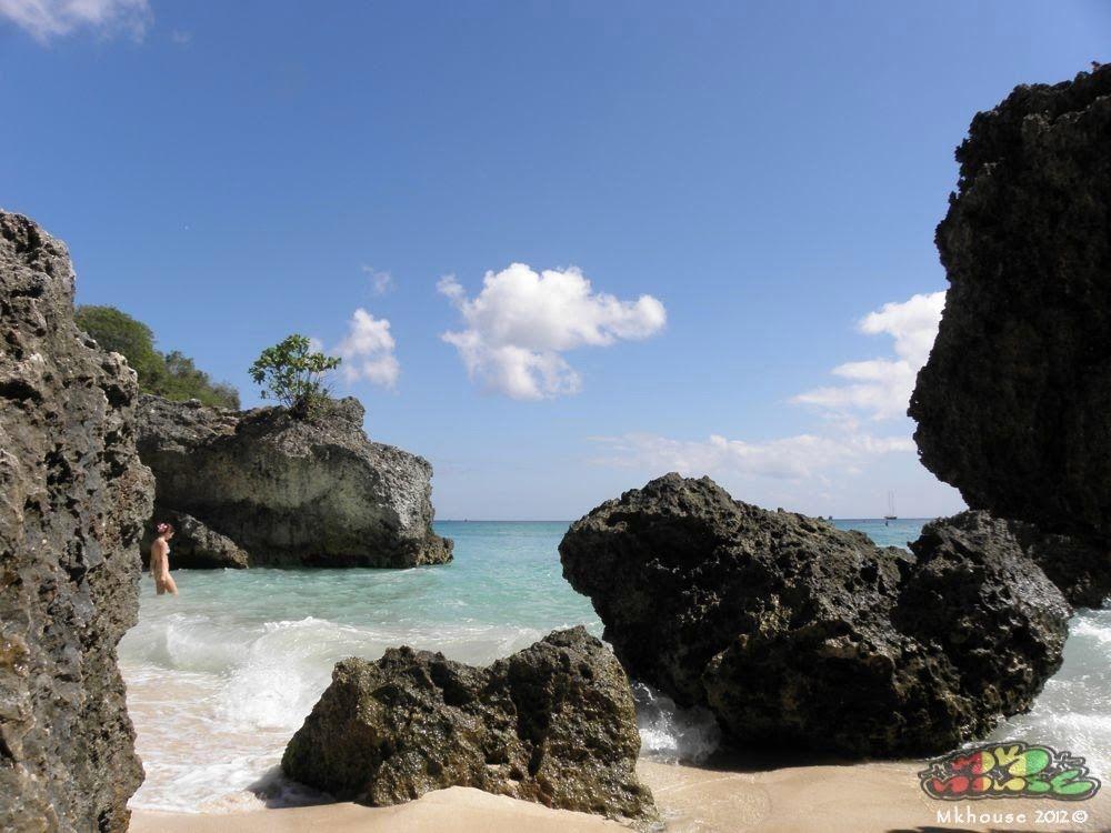 Paradise @ Padang Padang, Bali ... - Mkhouse 2012