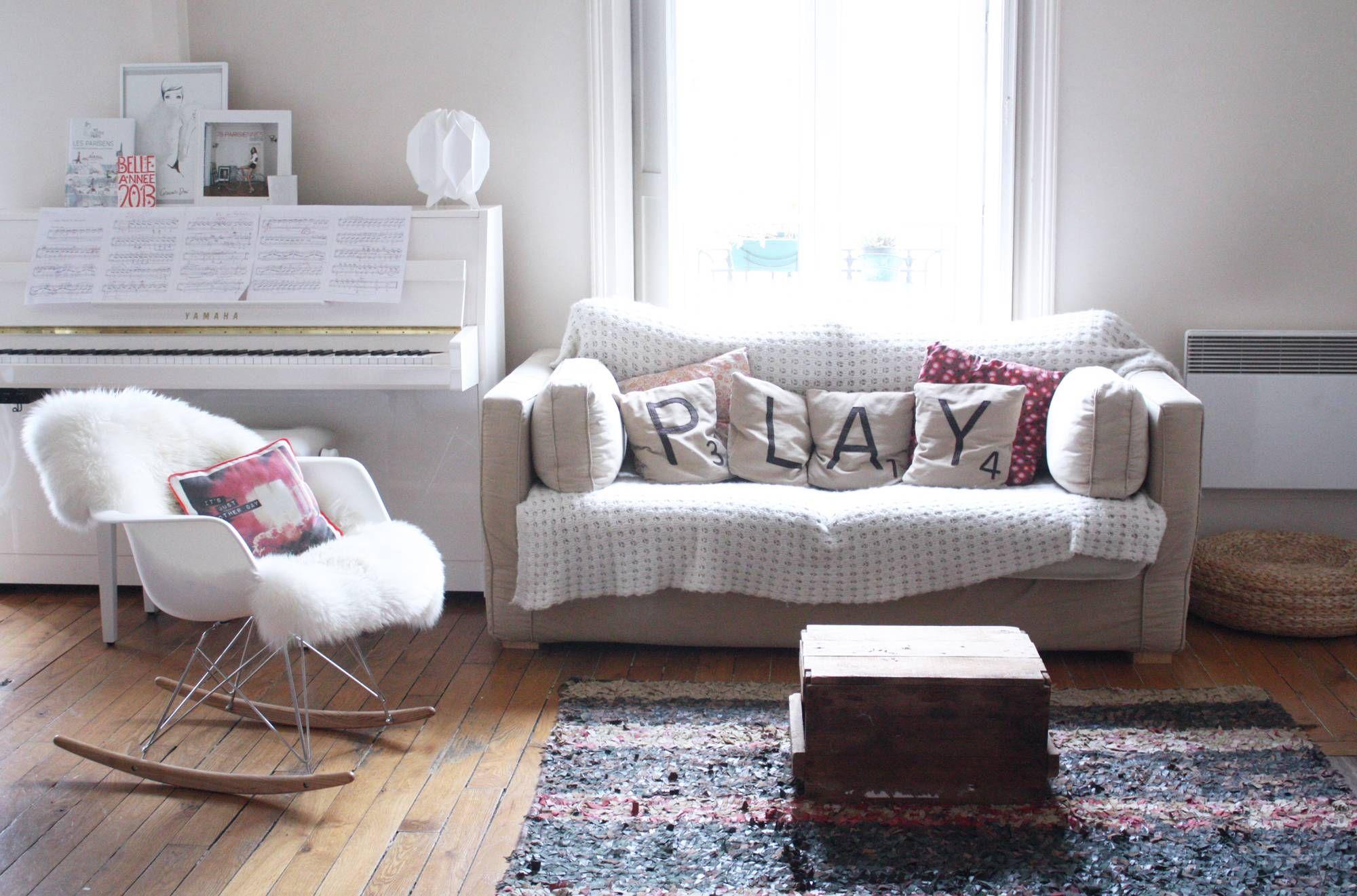 Recouvrir Un Canape Une Seconde Vie Pour Mon Canape Inspirations Recouvrir Un Canape Canape Lit Detroit Puredebrideur Ment Recouvrir In 2020 Home Decor Love Seat Bed