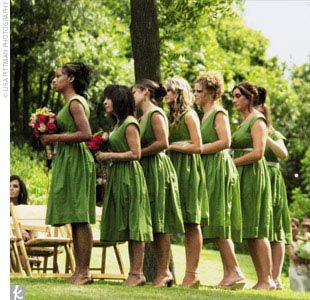 "8dbe1776dc0 Jennifer s seven bridesmaids wore cotton dresses in grass green from Banana  Republic. ""I called my bridesmaids"