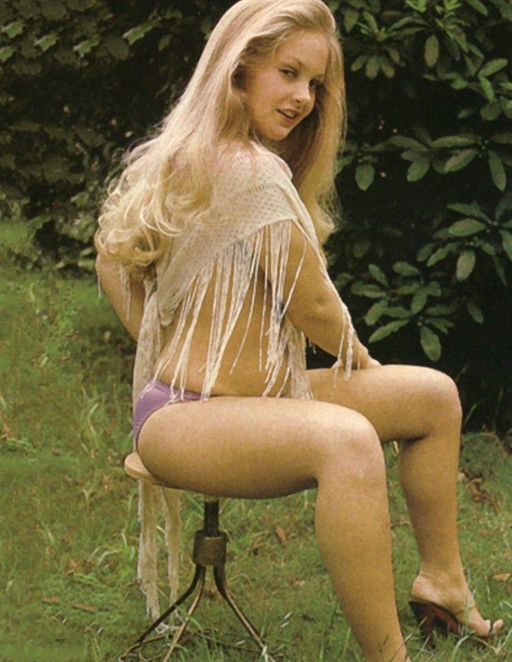 Hot amateur milf naked