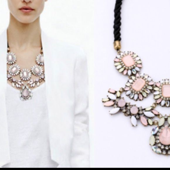 Statement necklace Very beautiful, vintage style, stone with mixing colours Jewelry Necklaces