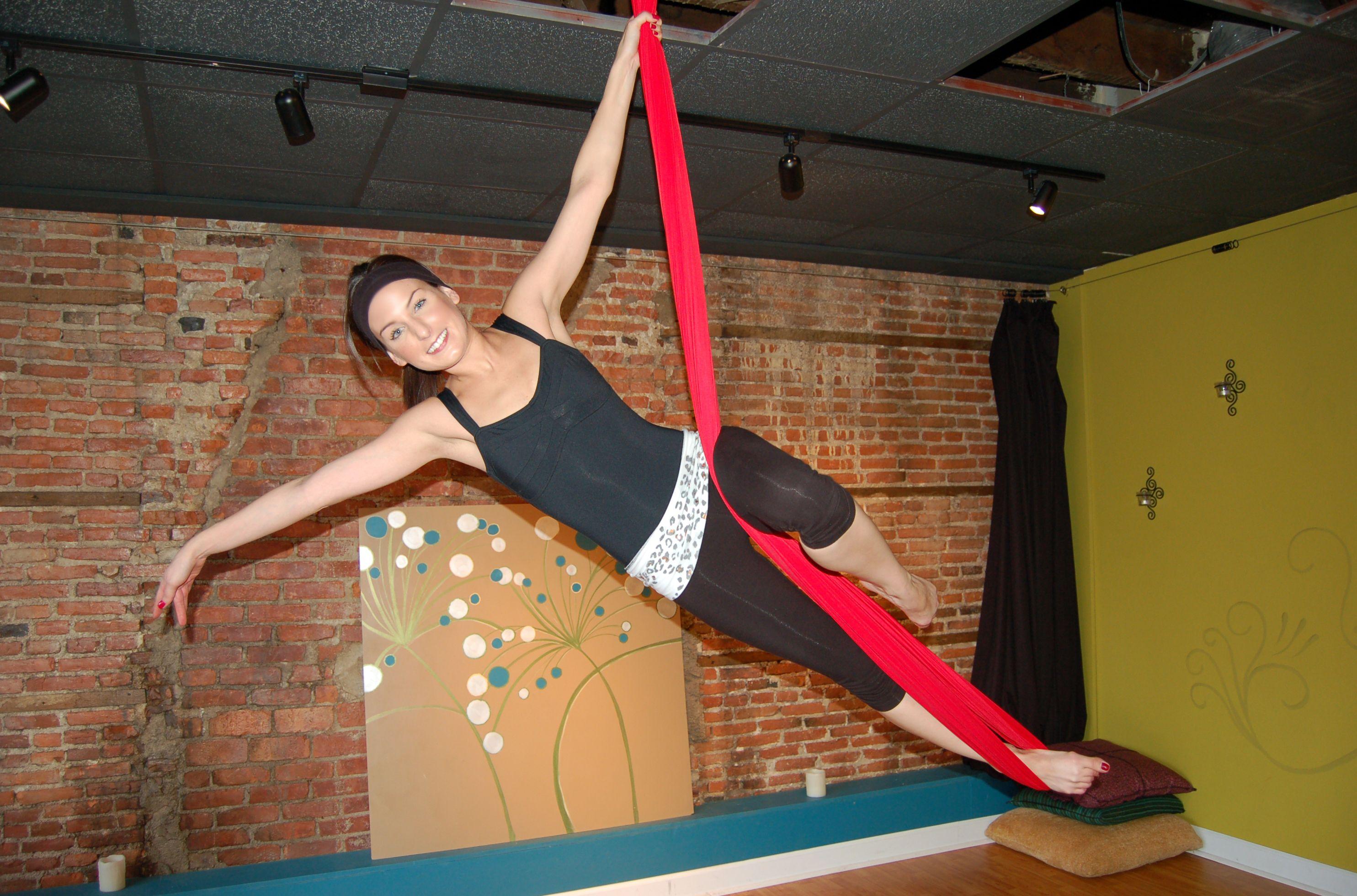 Aerial Sling (Aerial Hammock) Moves! Fall Sideways Pose ...