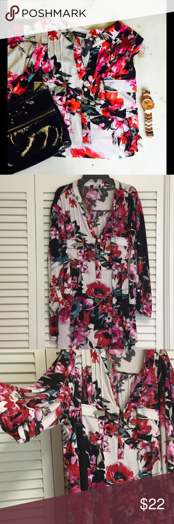 3x floral top Runs very roomy! Super flattering. Worn once to church, to big for me now. Tons of compliments guaranteed! I hate to part with it. Tops
