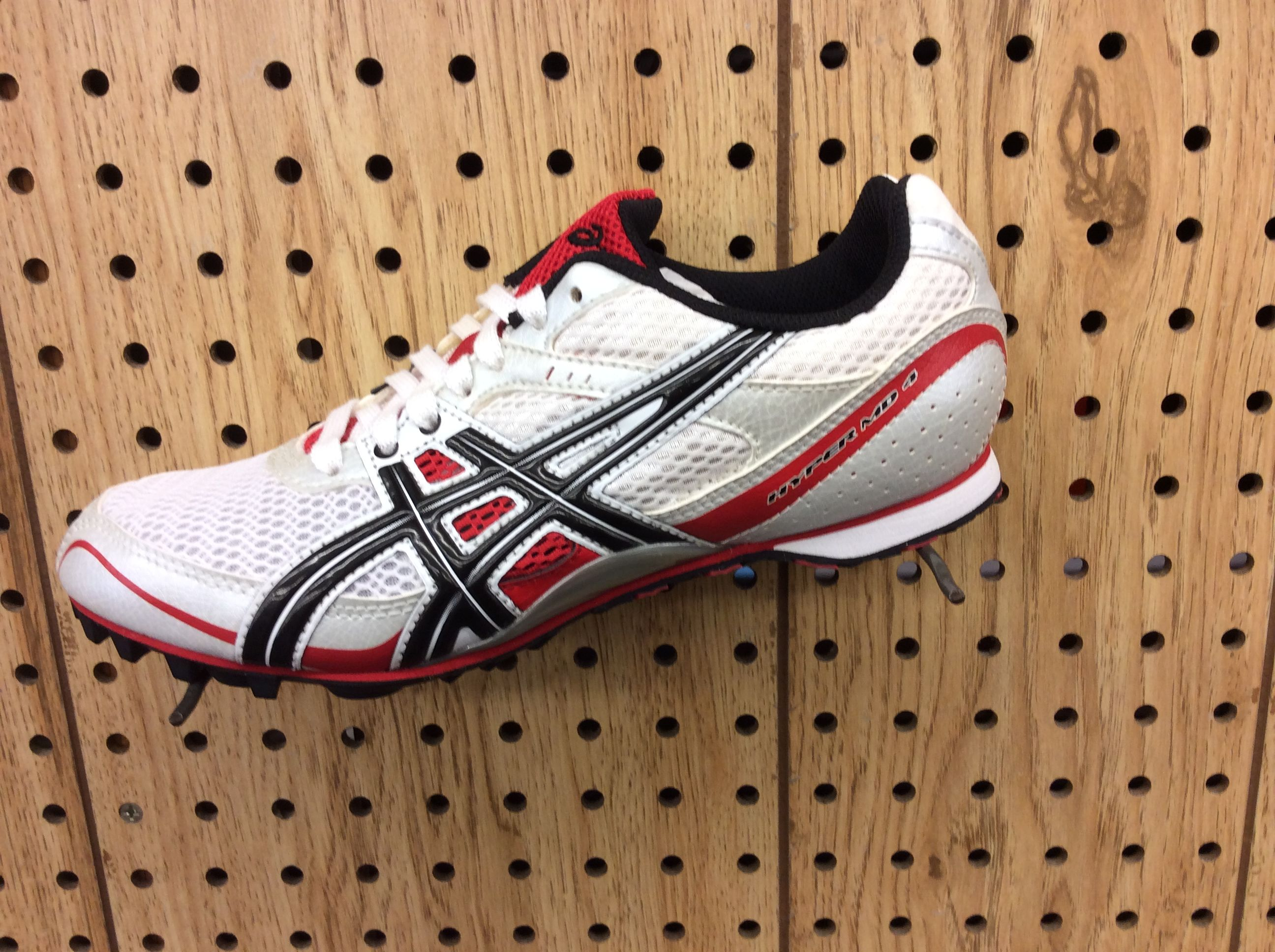Asics Hyper MD 4 track spikes, White, black and red track spikes