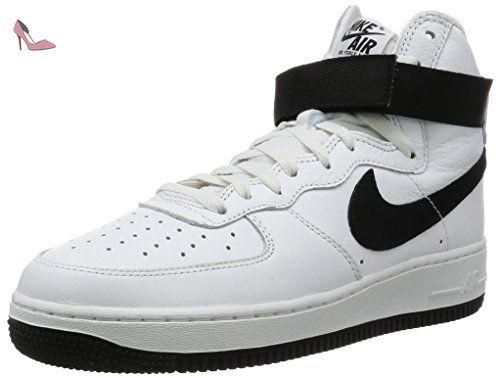 huge discount 64cd0 77743 Nike Air Force 1 HI Retro QS, Chaussures de Handball Homme, Blanc  Noir