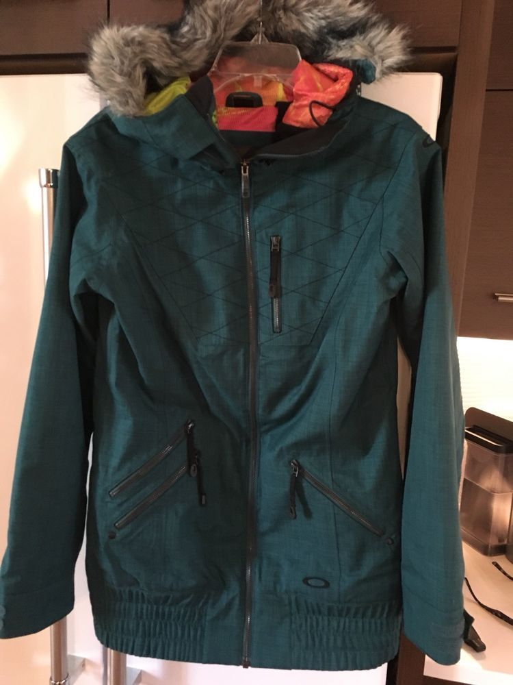 e43ea7b56b2a9 Oakley Womens MFR Ski Snowboard Jacket.. Sz XS.. EUC  fashion  clothing   shoes  accessories  womensclothing  coatsjacketsvests (ebay link)