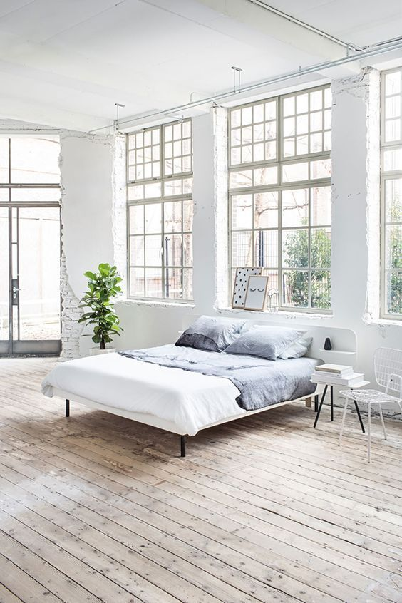 Elegant All White Loft Bedroom With Minimalistic Industrial Design || /pattonmelo/
