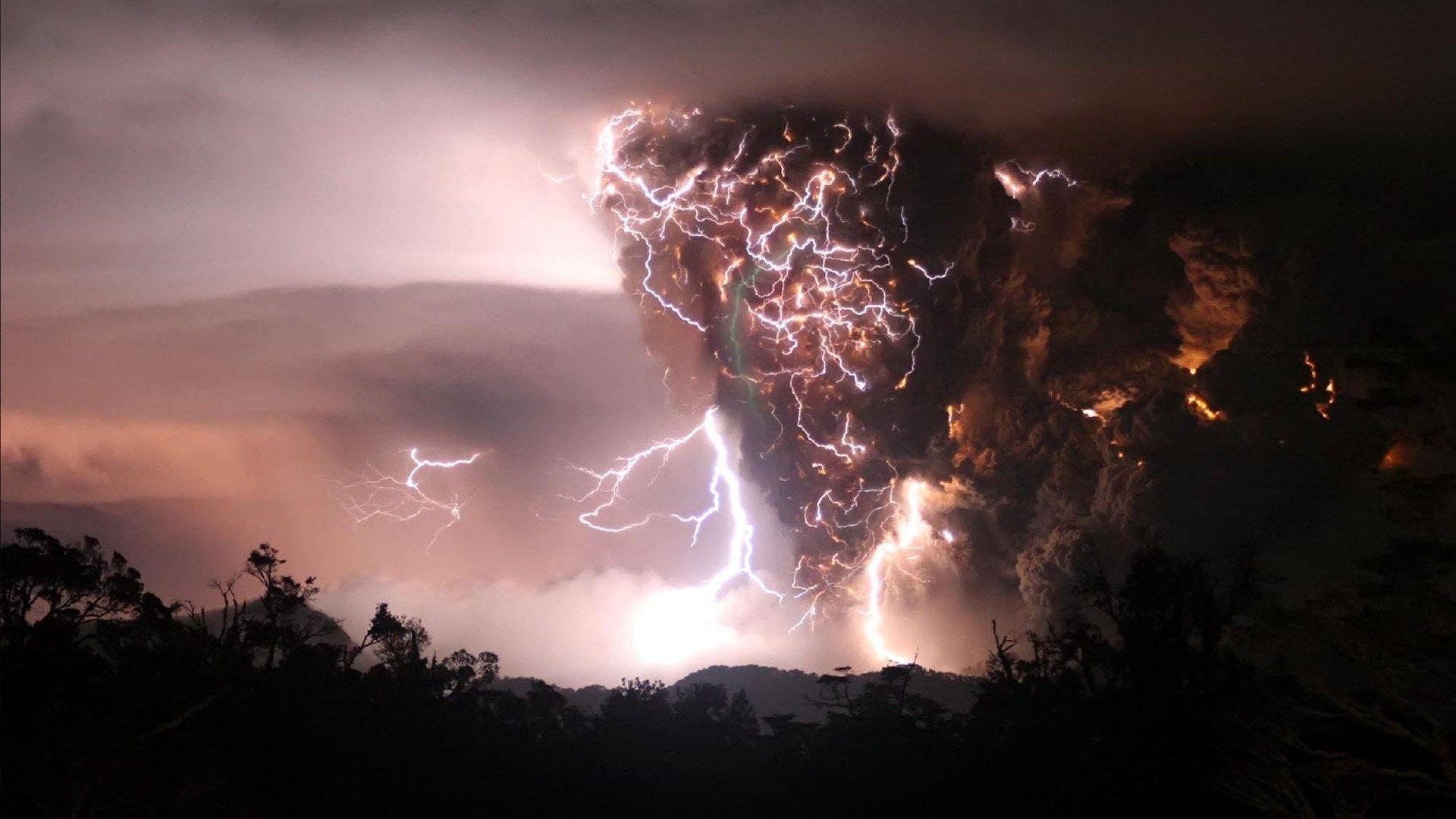 1920x1080 Full size lightning