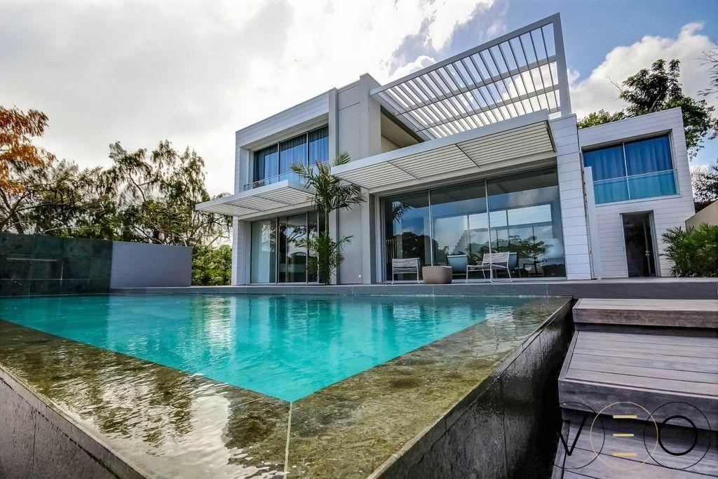 Maison de luxe au francois en martinique villa alice bay future maison villa house styles - Maison contemporaine de luxe ...
