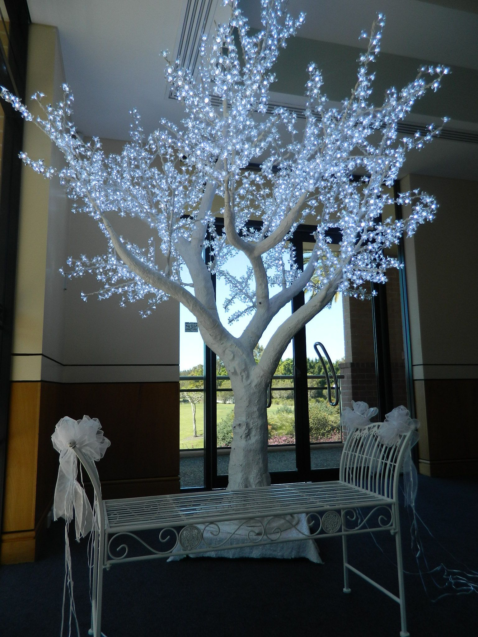 3m White Cherry Blossom Led Tree A Stunning Backdrop For Casual Photos Of Your Guests Or More Formal Ones Of The Wedd Led Tree Tree Branch Decor Branch Decor