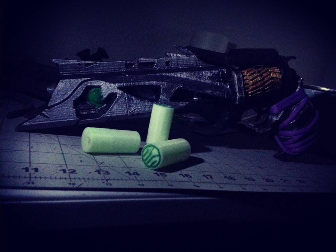 Something we liked from Instagram! I'm fairly happy with it. #destiny #thorn #3dprinter #hobbies #geek#cosplay#nerd #3dprinting  #bungee #glowinthedark by sivl32 check us out: http://bit.ly/1KyLetq