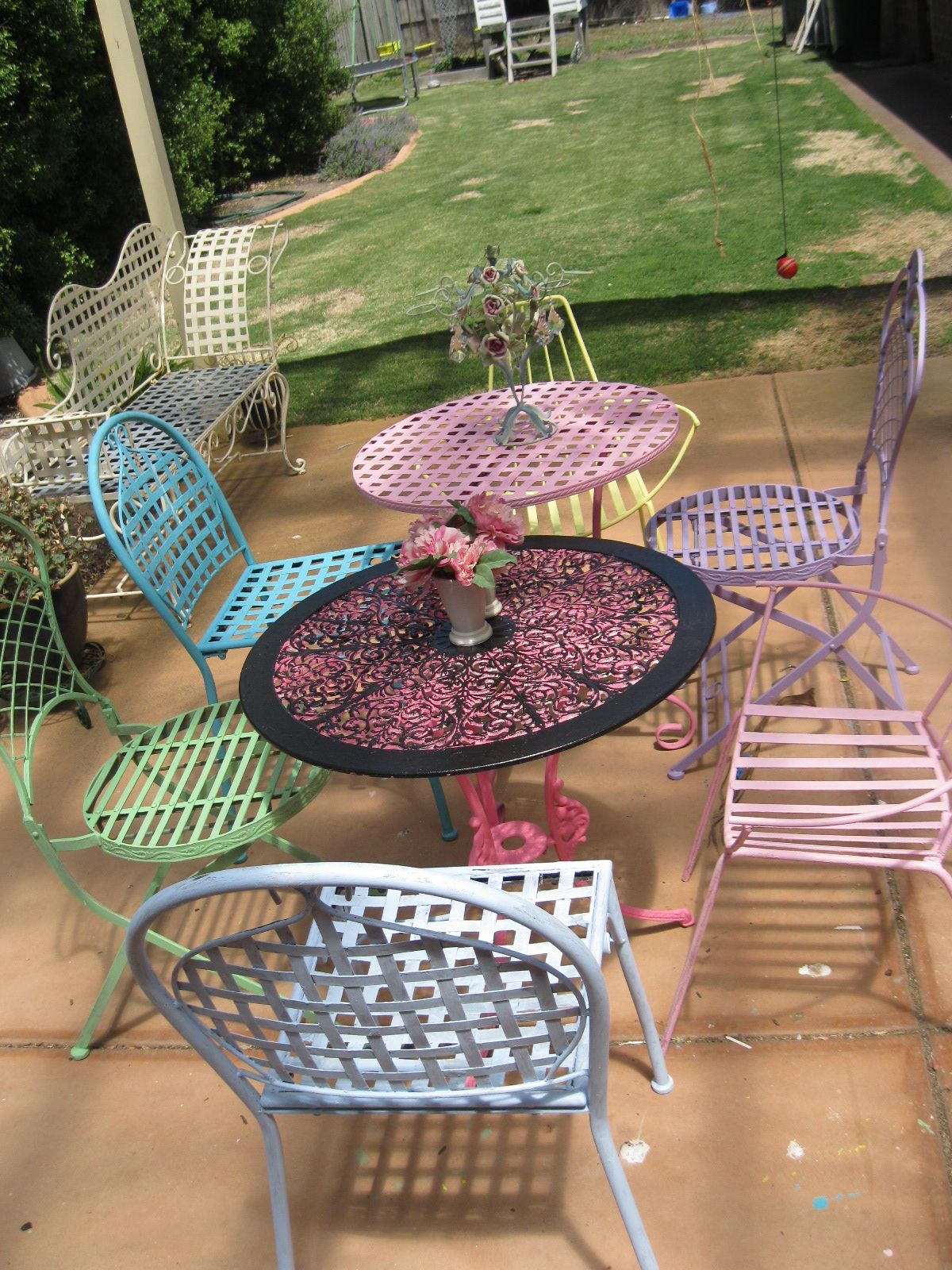 Coloured Wrought Iron Furniture With Images Wrought Iron