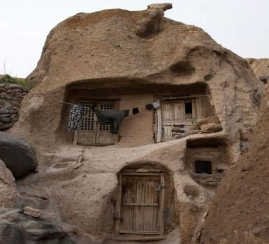 ... Shady 80 Life off the Grid: What the F?? Cave Homes!!! super cool550 x 500 | 45KB | 2.bp.blogspot.com #cavehouse