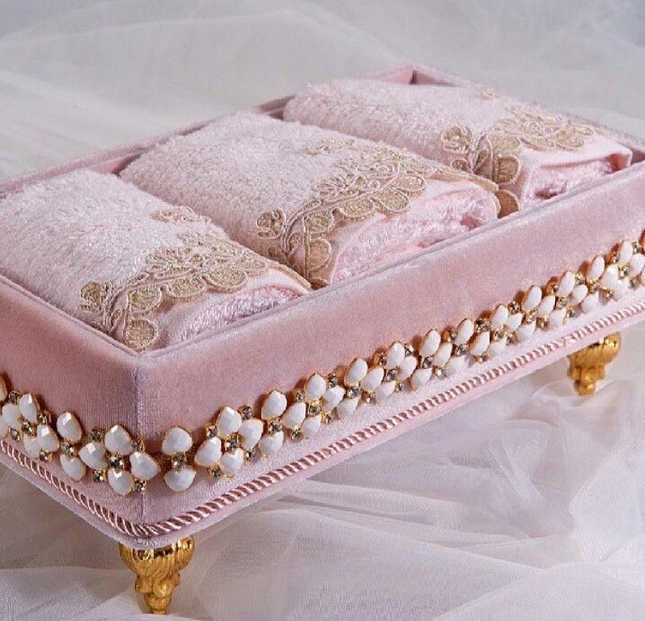 افكار لنماذج تجميل اغراض العروس منتديات حواء الجزائر Decorative Hand Towels Decorative Boxes Shabby Chic Decor