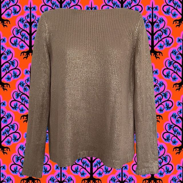 """I'm not one for the ugly sweater thing...but I fully support sparkly gold. like, say, this very metallic gold sweater! simple yet striking. 1990's. size S. shoulder: 14""""; bust: 38""""; length: 22""""; sleeve: 24"""". -$28- #90s #90sstyle #90ssweater #goldsweater #holidayparties #holidaywear #metallicsweater #metallicknit #igshop #instashop #vintage #vintageshop"""