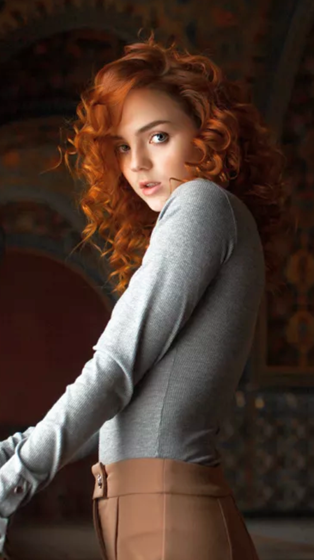 Pin by Roger on Reds 032 | Stunning redhead, Redhead