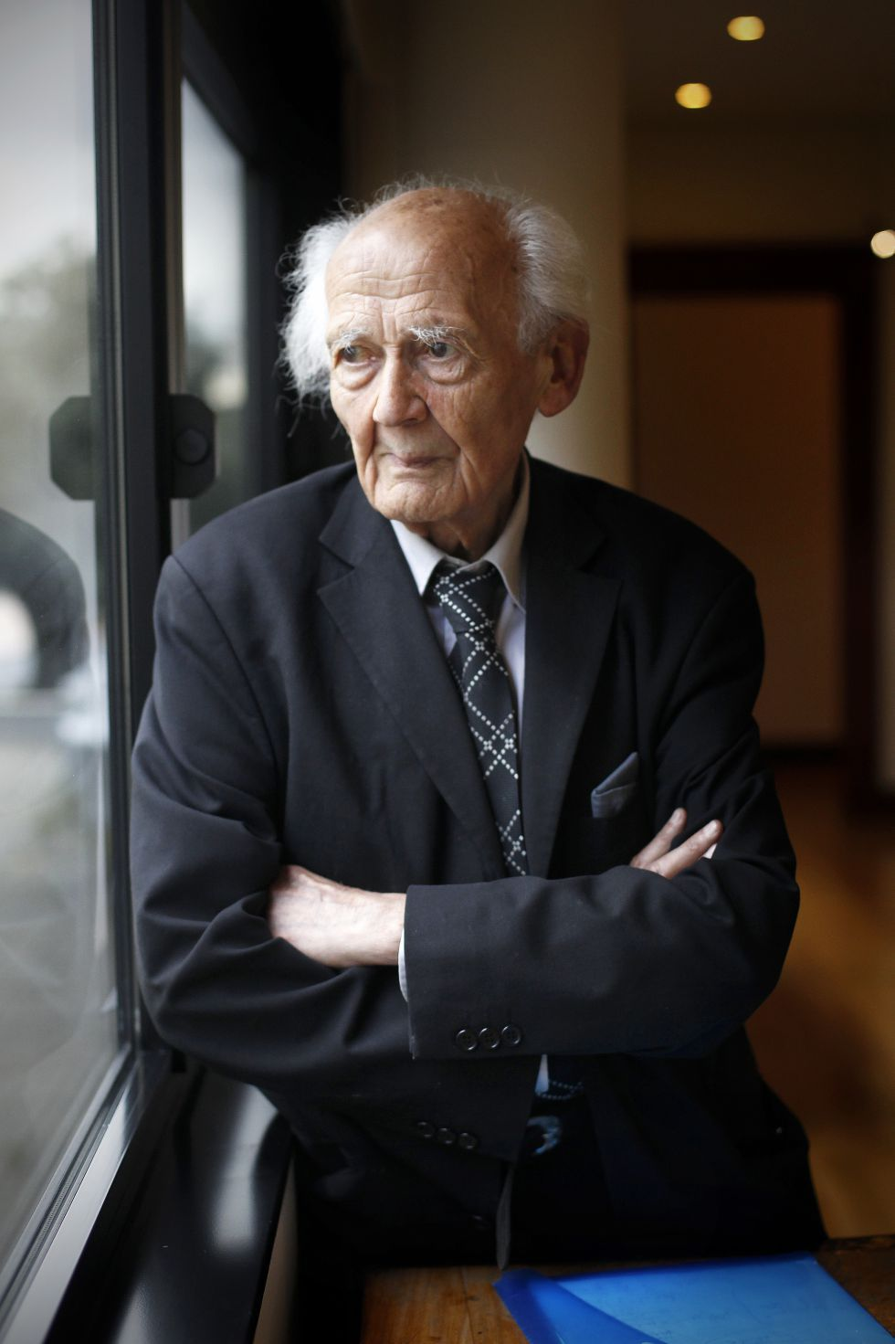 consuming life zygmunt bauman thesis Discuss what a consumer society is and an insight to its beginnings divisions suggested by theorist zygmunt bauman necessary in life but there is also strong.
