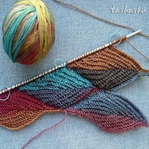 Knitting Fall Leaves - Tutorial #knittinginspiration