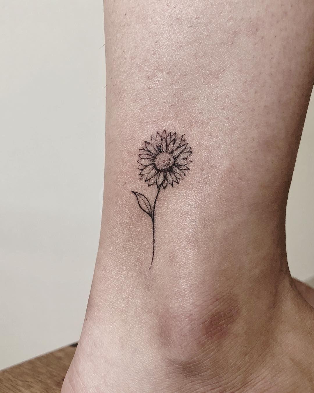 Sunflower Tattoo Minimalist