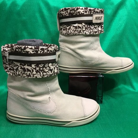 NIKE GLENCOE skulls canvas boots . w7.5 eu38.5 Clean . Minimal wear .. No issues Nike Shoes Ankle Boots & Booties