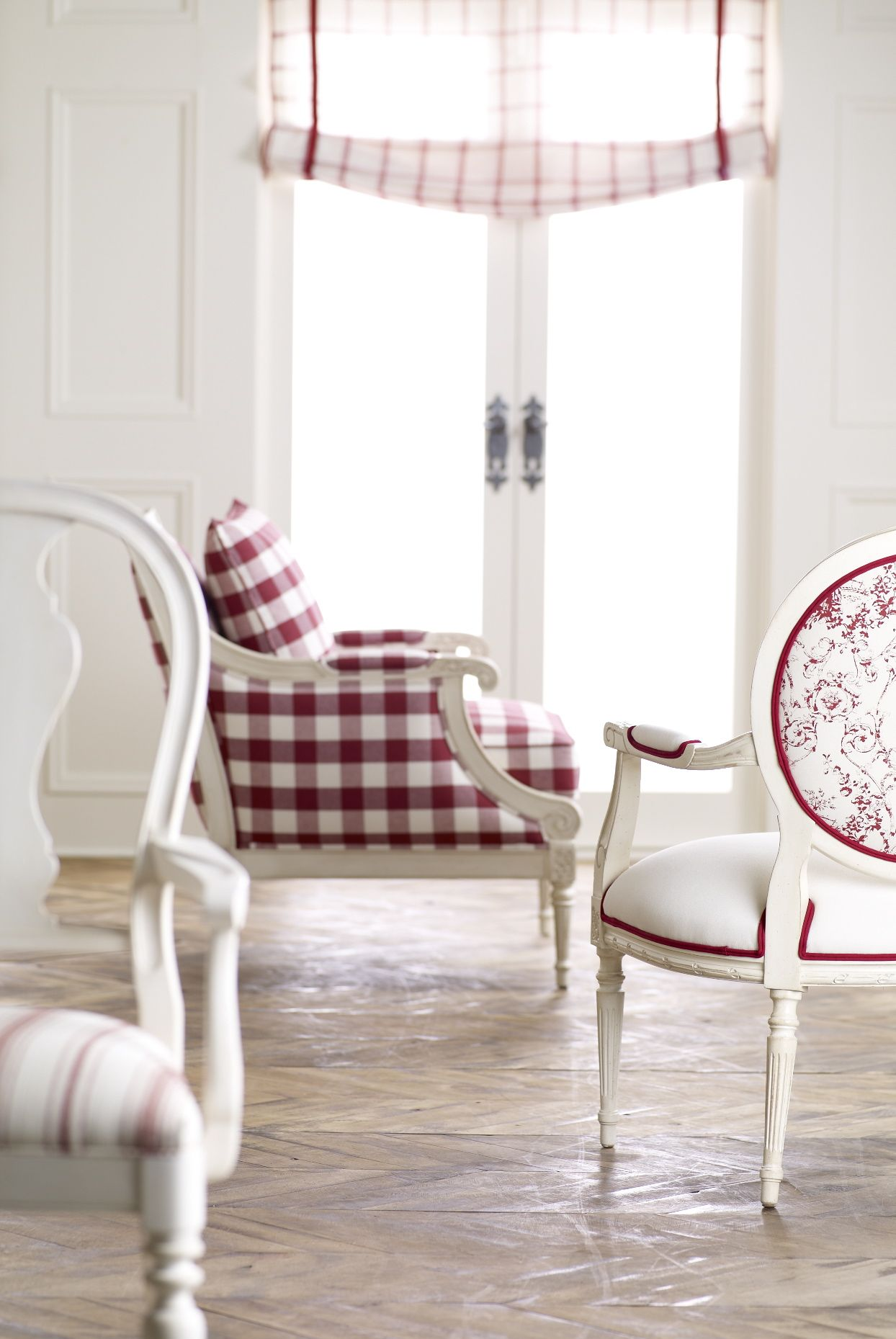 Snow White and Rose Red live happily ever after.  #home #fashion