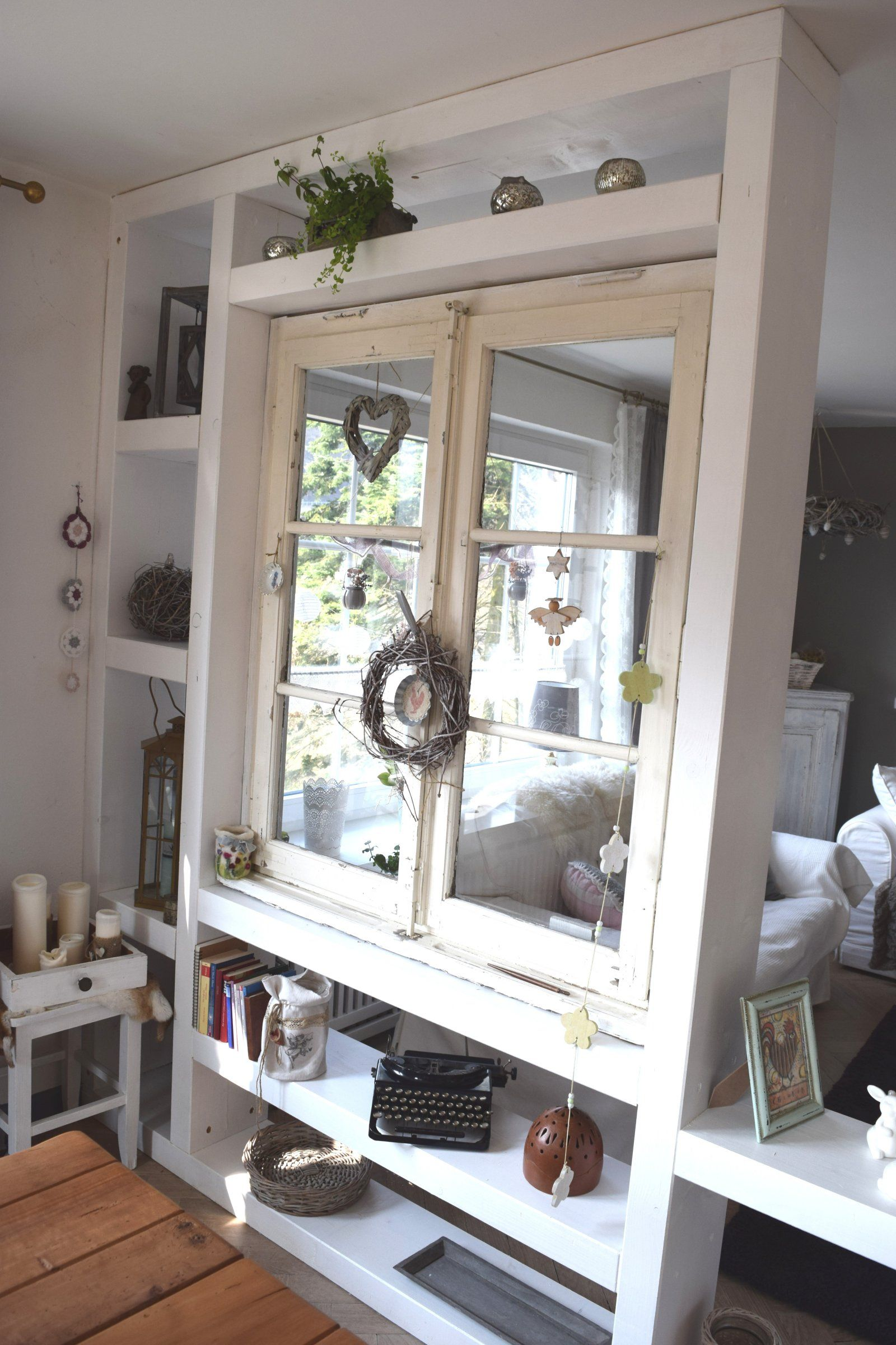 raumteiler mit altem fenster kuche pinterest shabby With markise balkon mit tapete retro