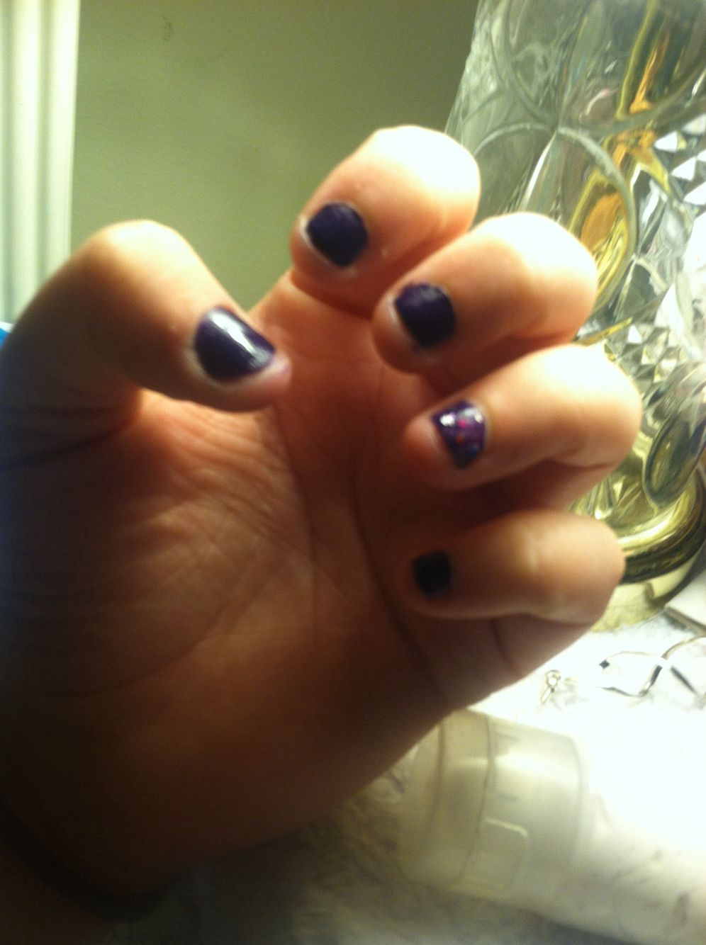 Classic purple nails with sparkles
