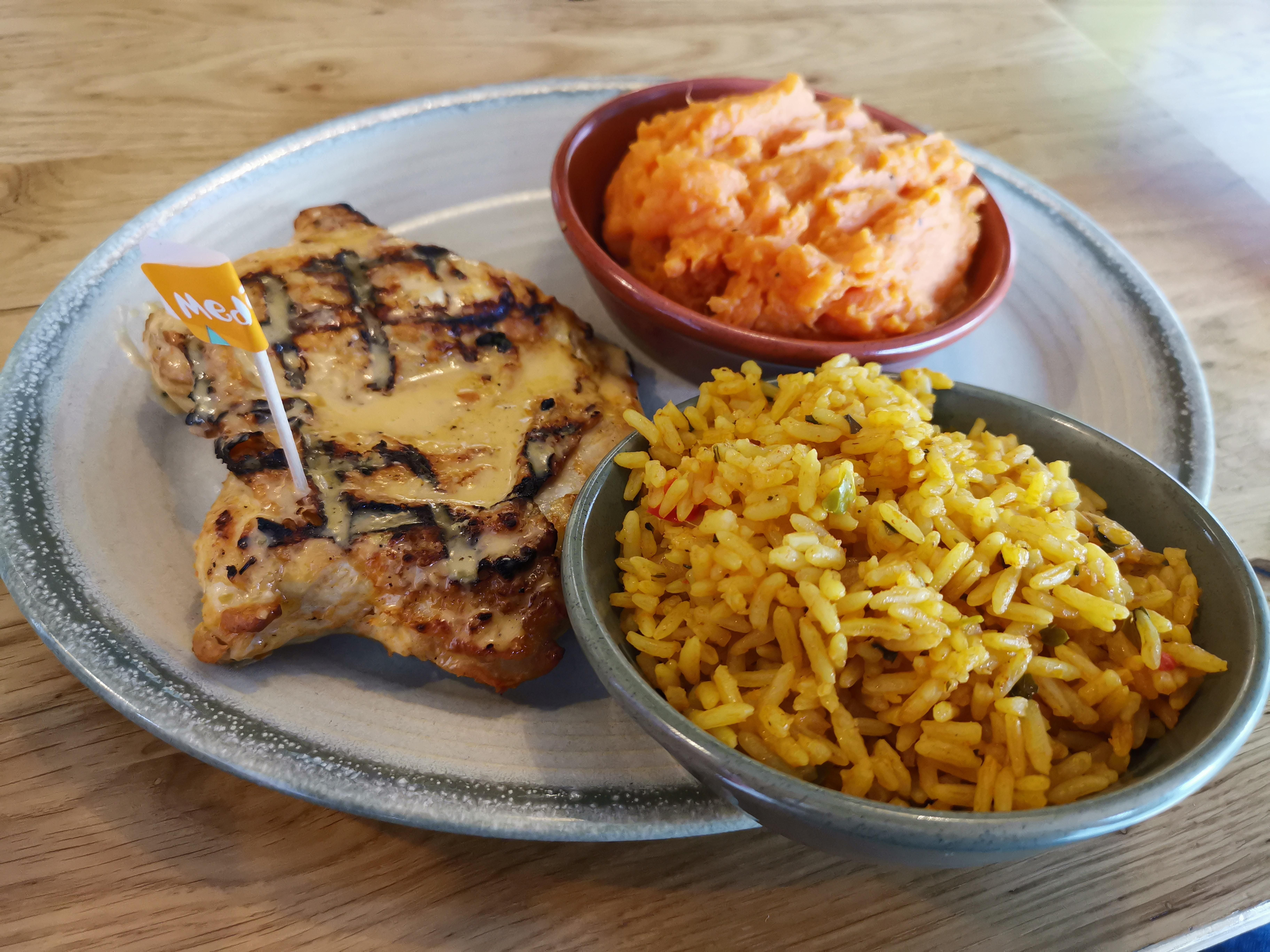 I Ate This Butterfly Chicken With Spicy Rice And Sweet Potato Mash Nandos Uk Spicy Rice Mashed Sweet Potatoes Spicy