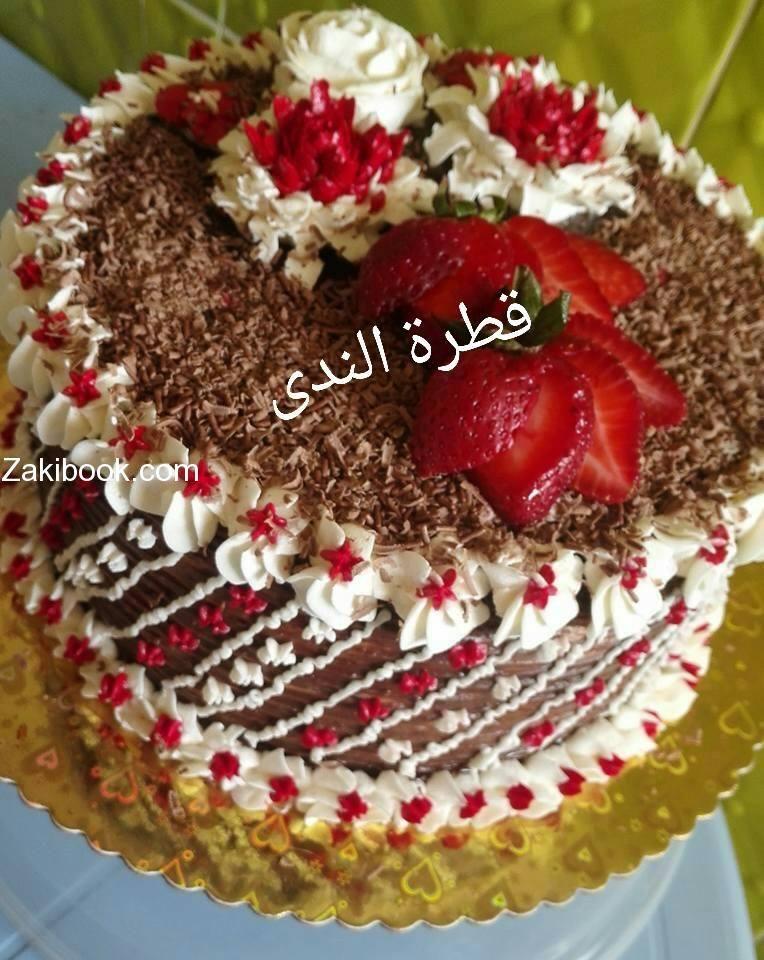 الكيكة الاسفنجية بصراحة روعة والتزيين بكريمة الزبدة زاكي Arabic Sweets Juice Jam Desserts