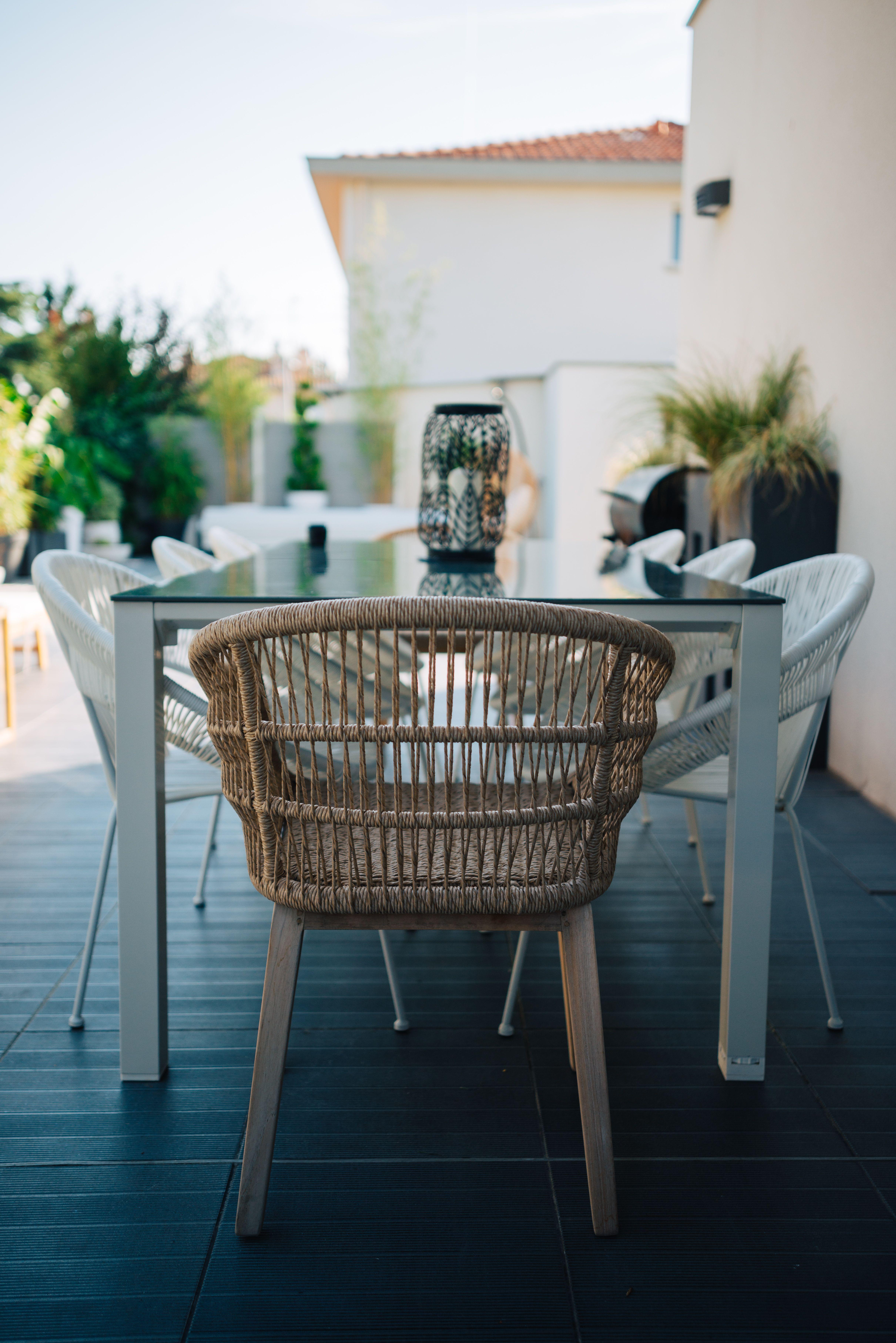 salon de jardin maisons du monde table de jardin blanche ...