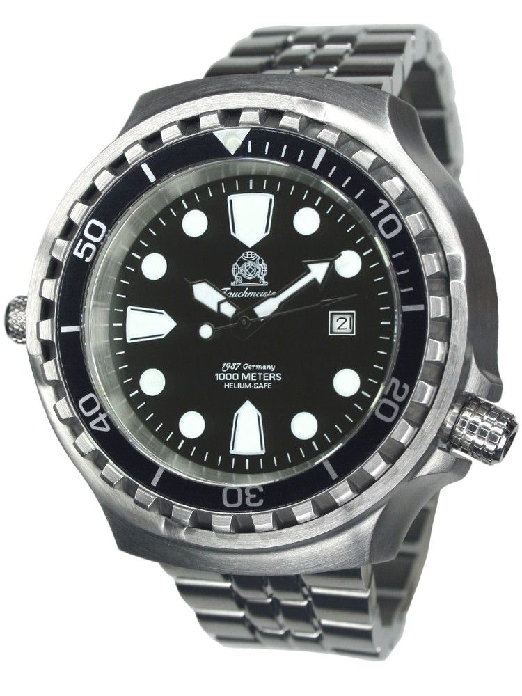 Dive up to a depth of a 1000 mtrs with this Tauchmeister T0254M automatic XXL diver watch 100 ATM