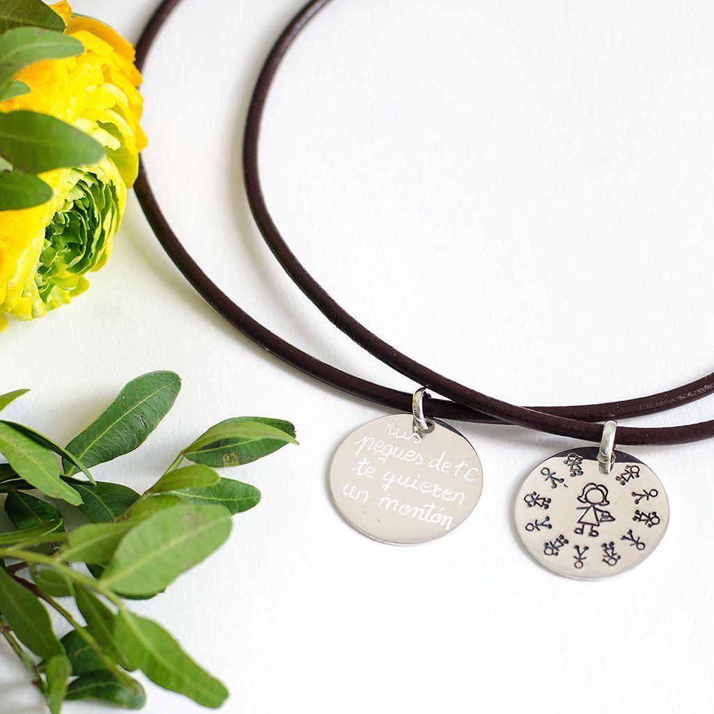 528b8b040410 Collar de plata personalizado para profes. Regalo para la profe en fin de  curso. Joyas personalizadas