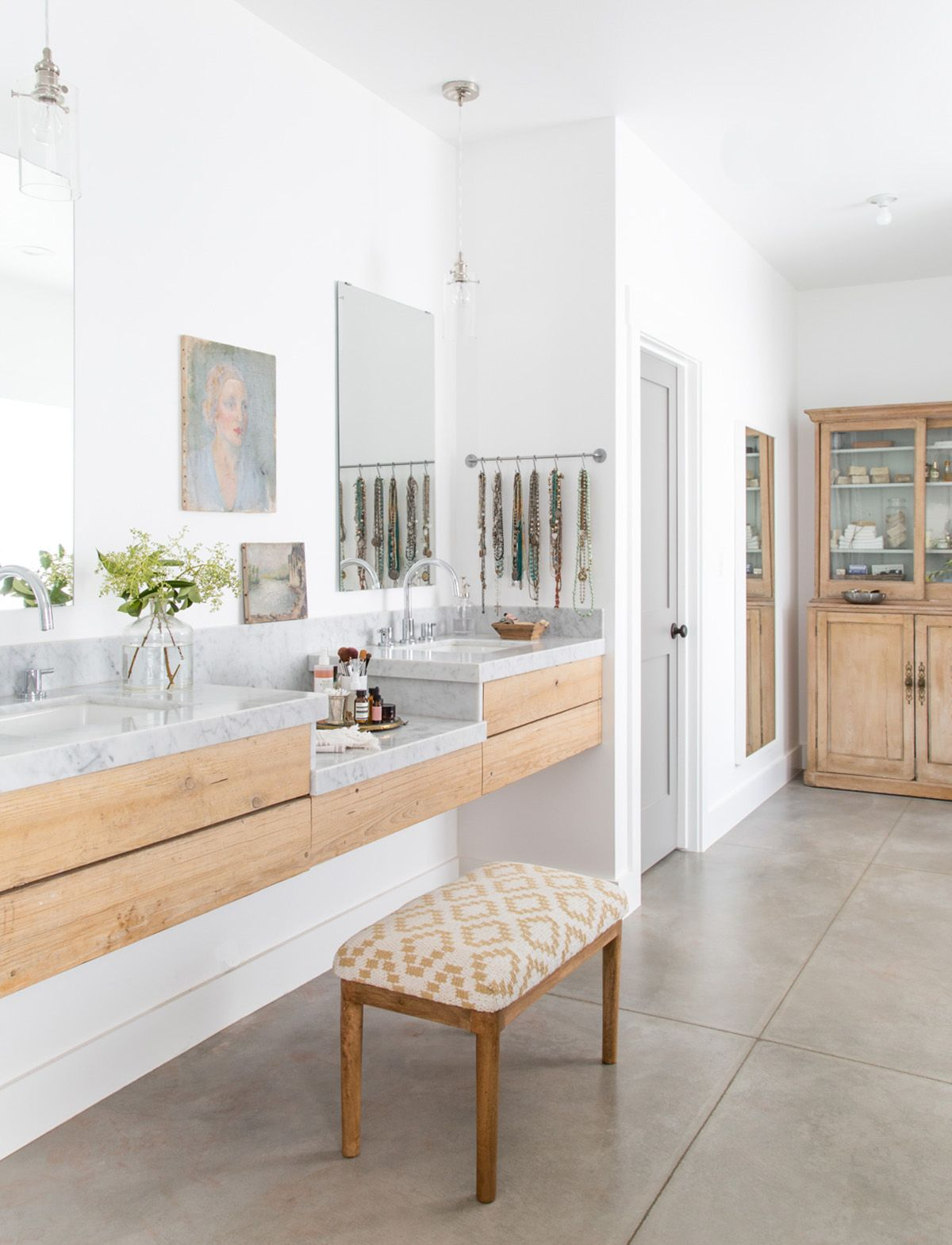 This Old But Updated Trend Brings Quiet Luxury Back to Your Bathroom ...