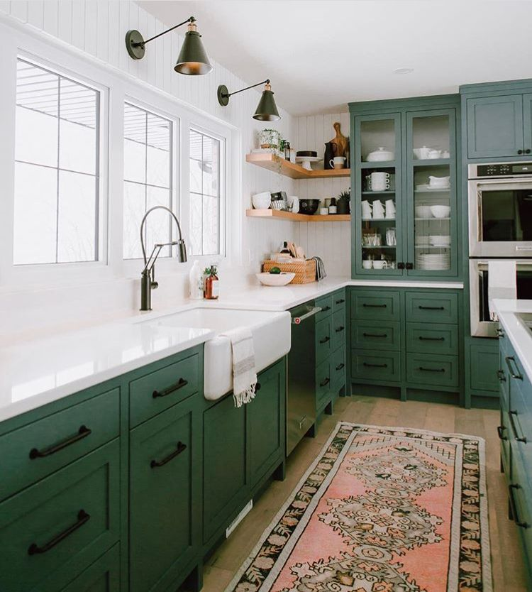 Glorious Dark Green Cabinets With Vintage Rug Perfect Style For A Modern Kitchen Green Kitchen Walls Kitchen Interior Interior Design Kitchen