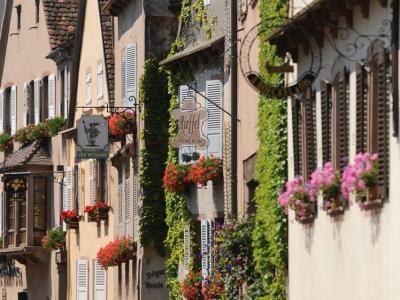 Mittelbergheim L Un Des Plus Beaux Villages De France Alsace Tourisme Alsace Village Francais