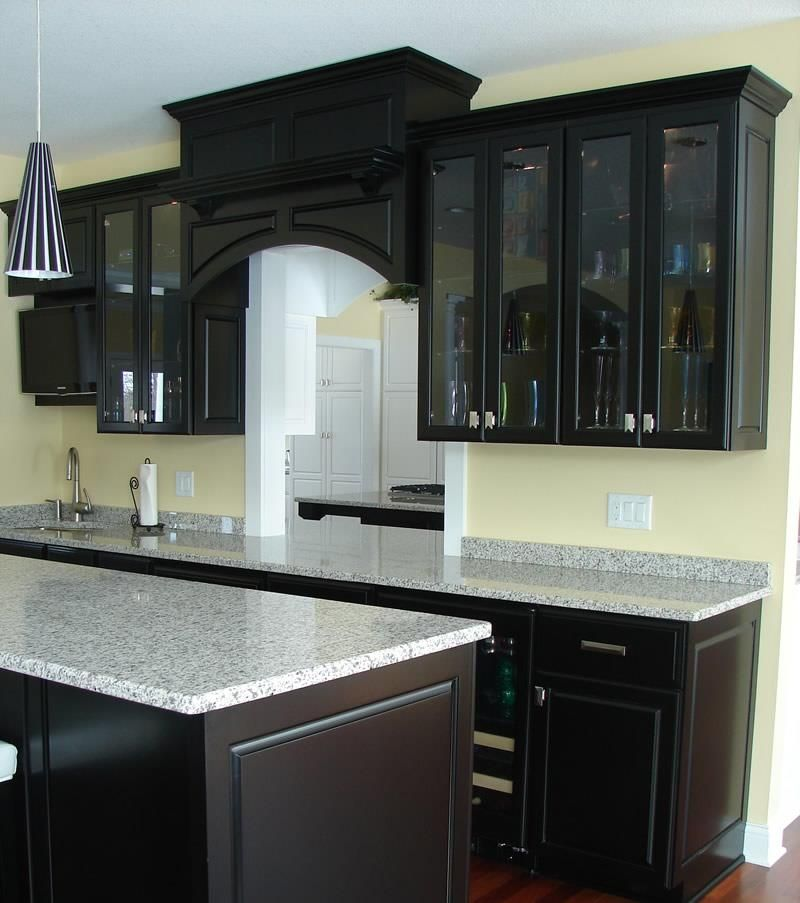 Best Way To Paint Kitchen Cabinets A Stepstep Guide Simple Dark Kitchens Designs Design Inspiration