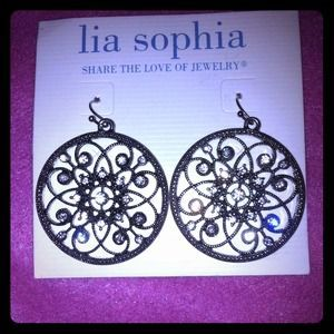 I just discovered this while shopping on Poshmark: Lia Sophia earrings. Check it out!  Size: OS