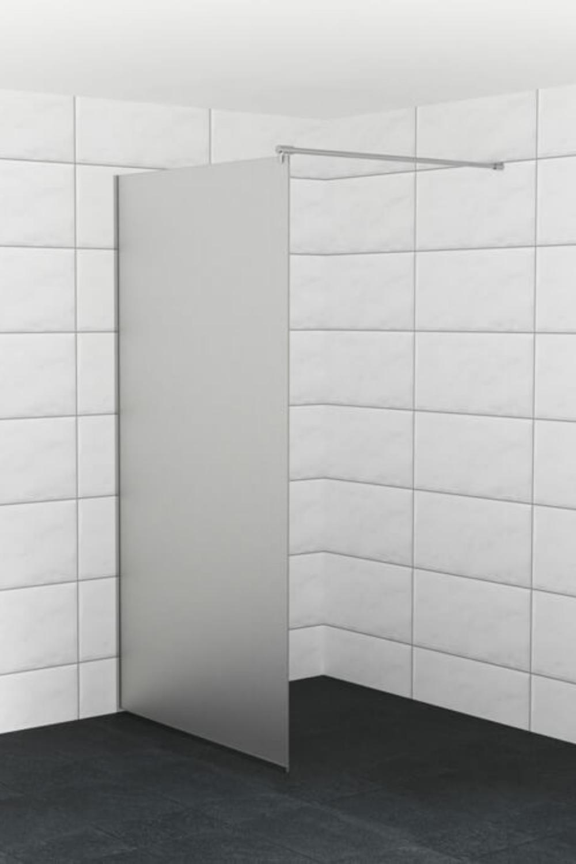 Badkamer Matten Op Maat.Een Douchewand Op Maat Van Mat Glas Zorgt Voor Genoeg