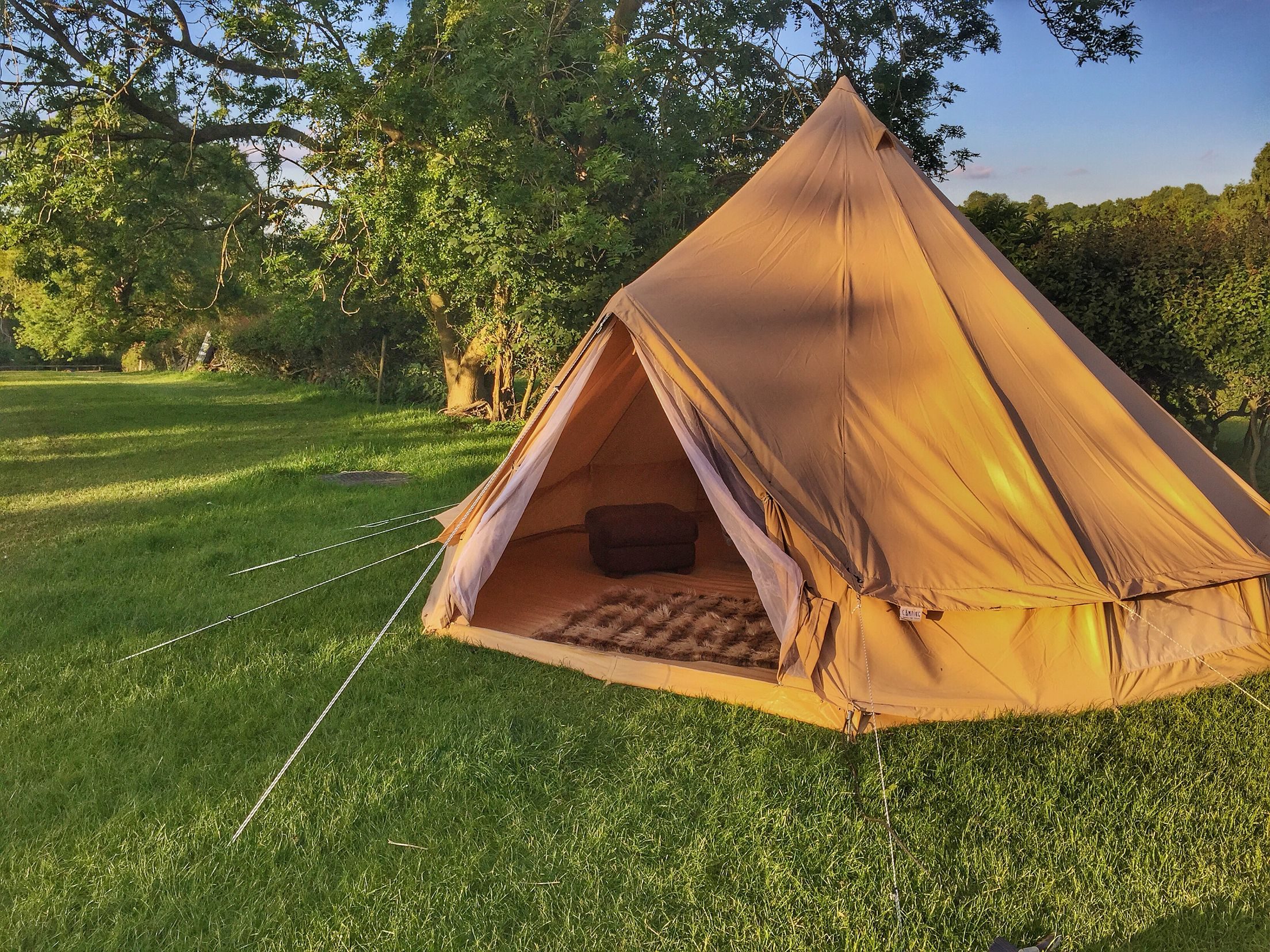 The outside of the Bell Tent & The outside of the Bell Tent | Home Location Gallery | Pinterest